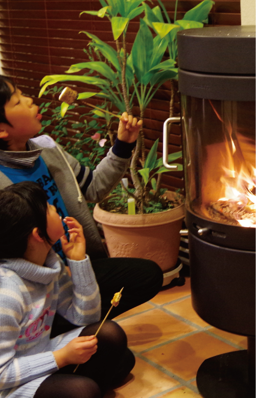 マシュマロを焼くことも薪ストーブの楽しみ