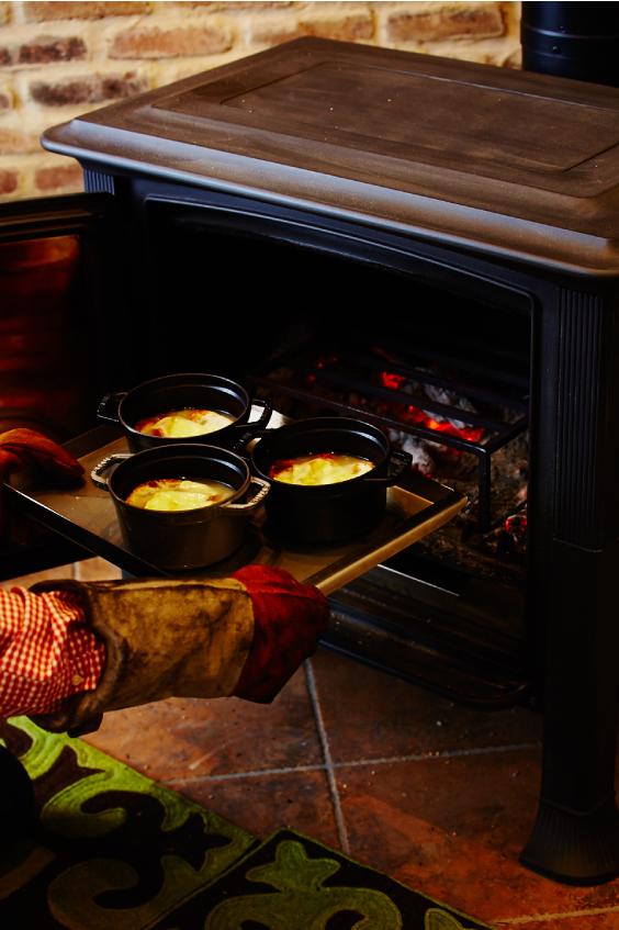薪ストーブでつくる自慢の手料理